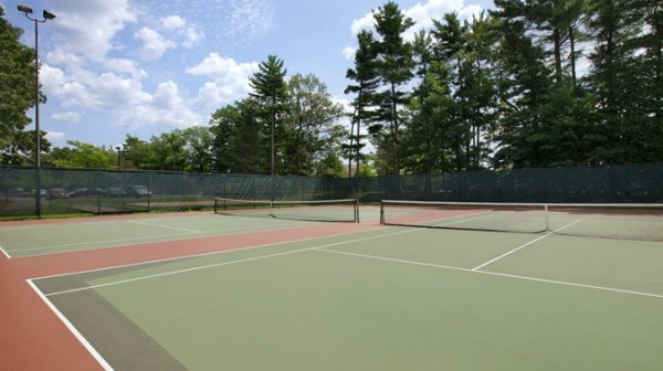Where to Play Tennis in Bedford